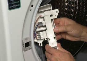 Почему не открывается дверца стиральной машины ? Пробуем починить сами! - 3