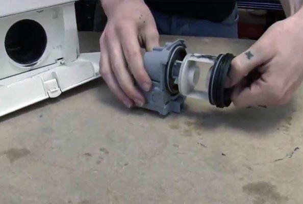 «Внезапно»: стиральная машина не сливает воду – Что делать? - 2